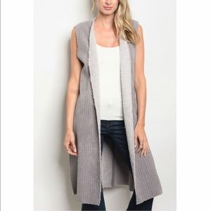 Sweaters - Gray corduroy shearling vest
